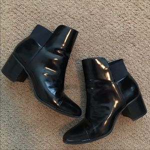 Zara BASIC patent leather pull on bootie
